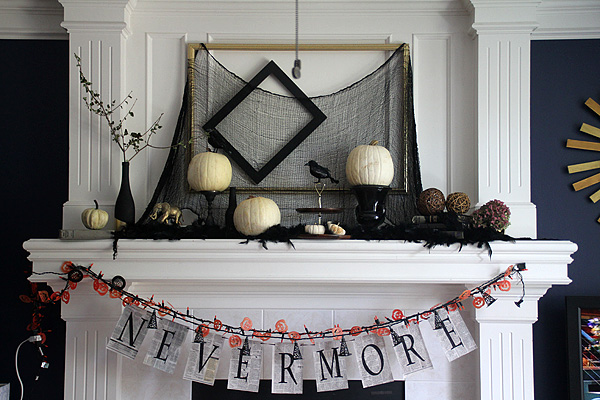 Halloween Mantel 2