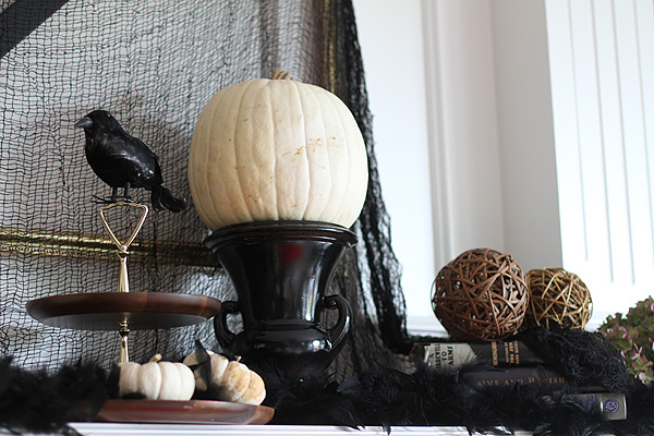 Halloween Mantel Detail 2