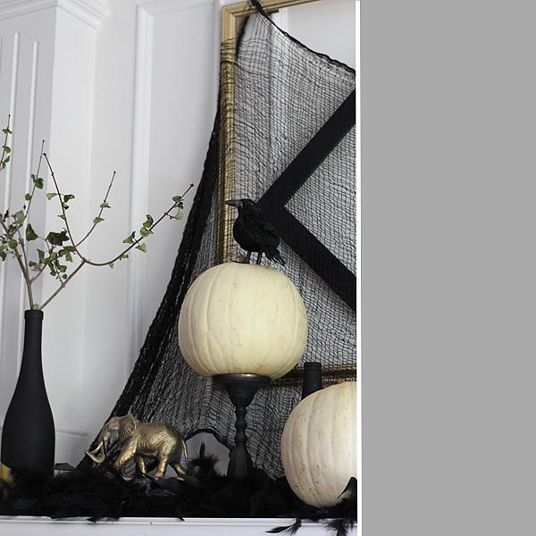 Halloween Mantel Detail 4