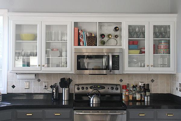 Kitchen Glass Cabinet Wall